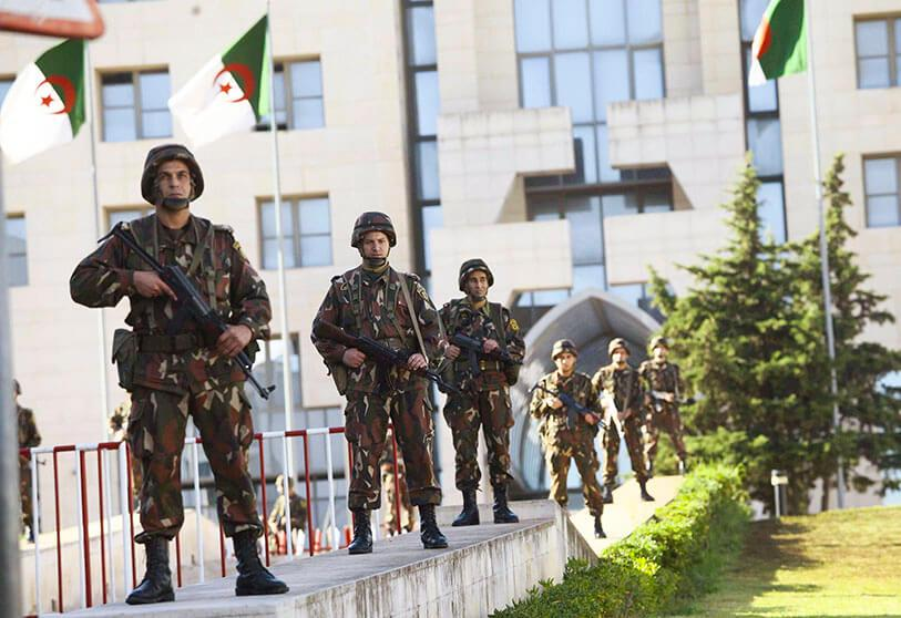 armée Algérie, parmi les 10 armées les plus puissantes d'Afrique francophone